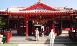 Okinawa2_jinjya_gohonden_2
