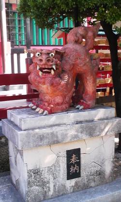 Okinawa2_jinjya_komainu_a_2